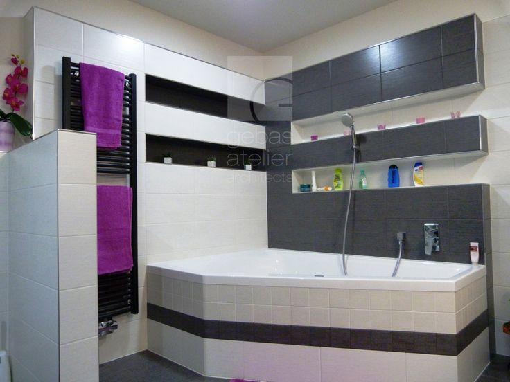 díky doplňkům můžete barevné ladění koupelny měnit, kdy se vám bude chtít/ the bases colour of this bathroom is gray and you can change the color supplements, when you want