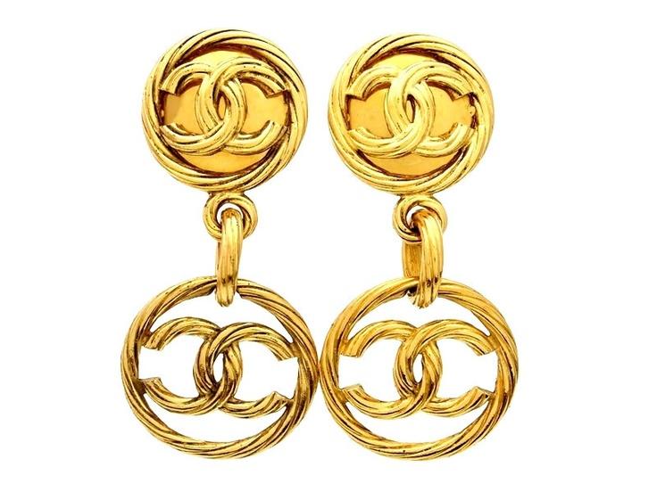 Vintage Chanel earrings CC logo round dangle
