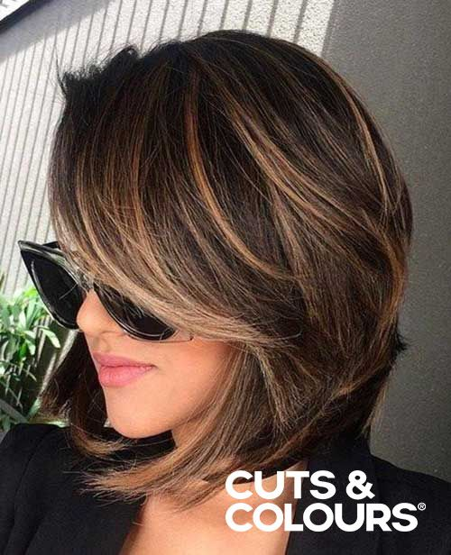 Subtiele kleuring | Halflang haar | Brunette | CUTS & COLOURS