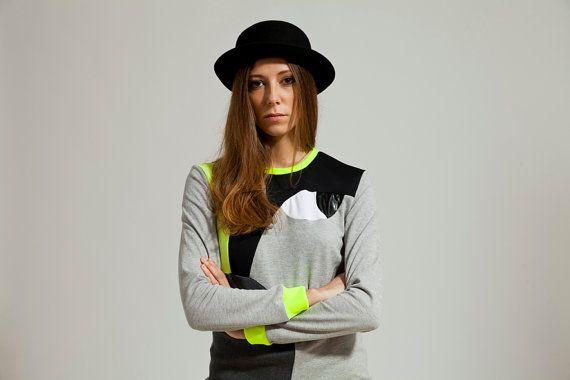 Zwarte blouse, lange mouwen blouse, grijze blouse, asymmetrisch patroon top, Neon boven, Black top, Designer bloes,