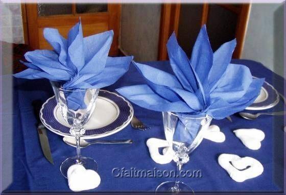 146 best pliage de serviettes images on pinterest how to fold napkins napkin folding and - Dressage de table ...