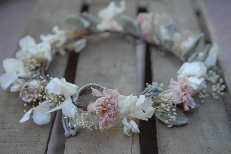 Corona de flores campestres. #Blog #Innovias