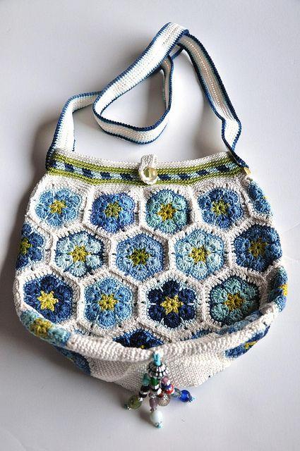 Mia's Blues crochet bag-3 by yarnloopie,
