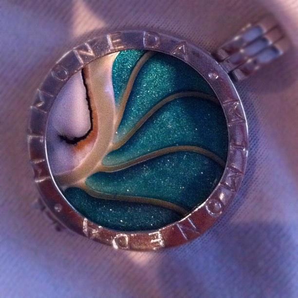 Nieuwe munt! #mimoneda #color #instafashion #accessoire #instagirl #silver #instagood #iphonography - @esthrx- #webstagram
