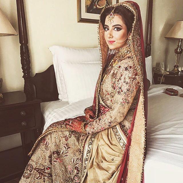 Jannat looking drop dead gorgeous in a custom @fahadhussayncouture for her barat #brides #desibride #pakistanibride #indianbride #asianbride #asianwedding #pakistaniwedding #desiwedding #wedding #traditional #royal #decadence #handcrafted #ethnic #couture #bridalwear #handembroided #swarovski #custom #bridal #bridalwear #makeup @maramazmat @maramaabroo #bridalfashion #bridaldress #bridalstyle
