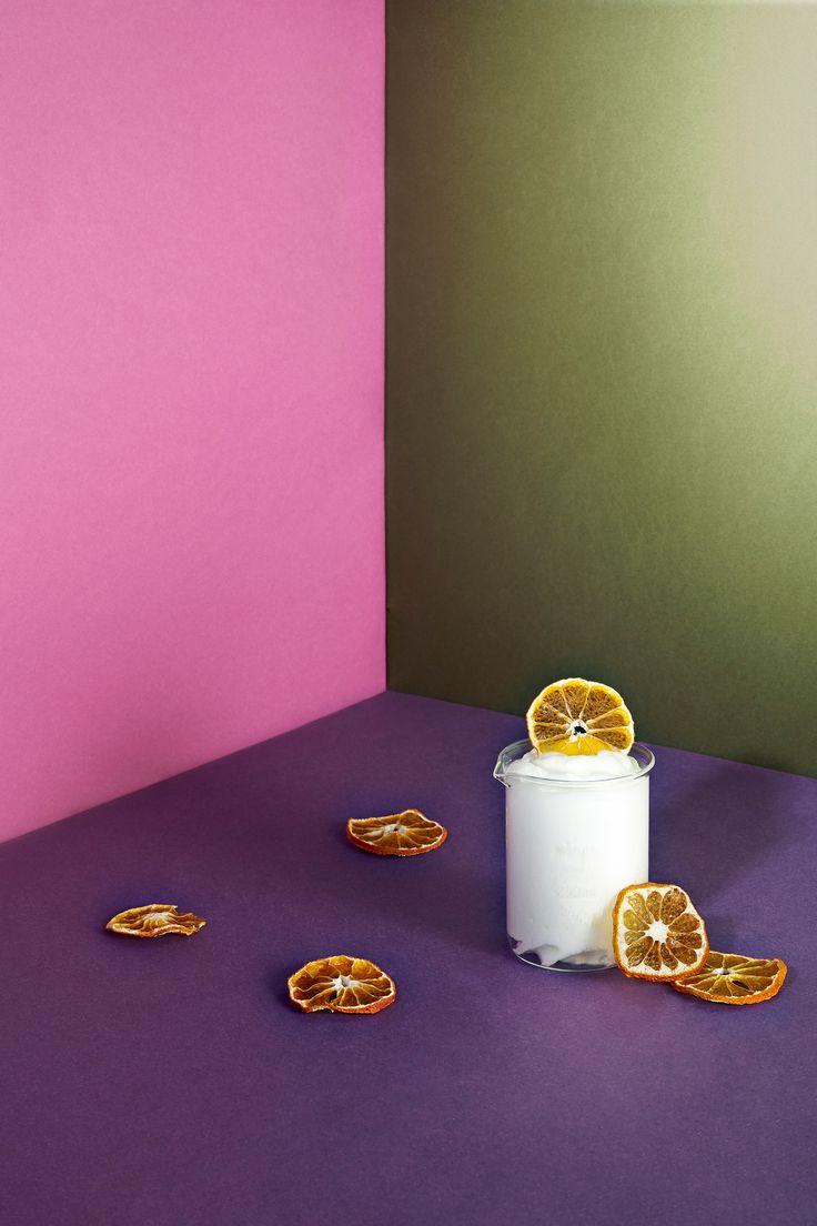 - Restaurante LAV -  ◇ Espuma de cítricos con naranja deshidratada. Bodegón sobre papel rosa, morado y verde  / Citrus foam with dried orange. Still life on pink, purple and green paper   ◇ #comida #food #lovefood #foodporn #foodart #foodgram #foodstyling #instafood #delicious #restaurante #gastronomia #mediterranean #degustacion #showcooking #comerbien #chef #gourmet #hotel #happiness #hotelalfonsov #vamuca #leonesp #beautifulplaces #relax #fun - Photography & art direction…