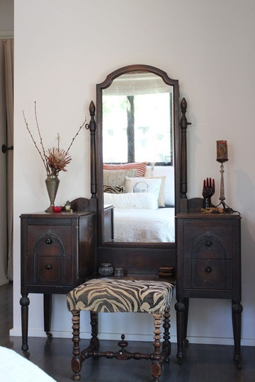 1000 Ideas About Old Vanity On Pinterest Vanities