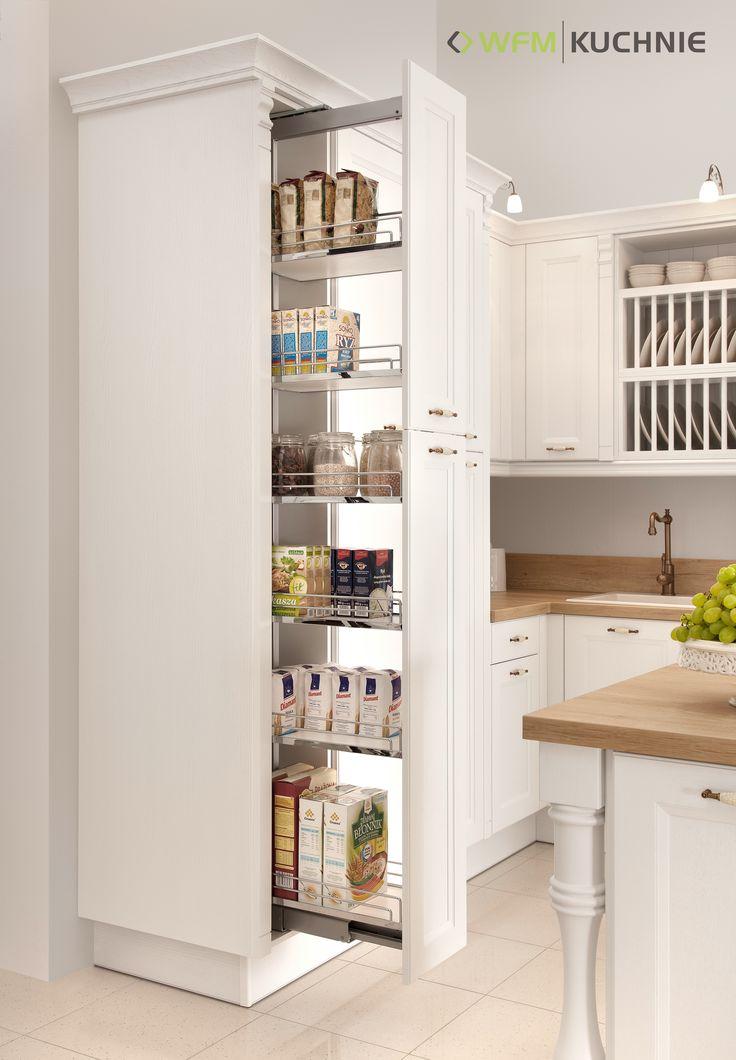 VILLA II DĄB BIAŁY: Takiej kuchni nie dotkną zmiany trendów i mód. A ukryte za fasadą funkcjonalne wyposażenie, jak wysokie cargo, czy sortownik na odpady wykorzystujący przestrzeń w narożniku, sprawi, że gotowanie stanie się przyjemnością.