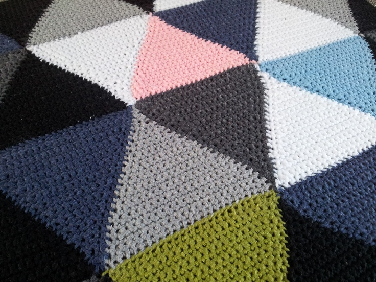 Arliana's - Hverdagens små fornøjelser: DIY's Hæklede trekanter