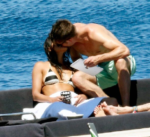 Zac Efron and Michelle Rodriguez Kissing Each Other On the Beach #AwkwardMoment, #MacheteKills, #MichelleRodriguez, #ZacEfron