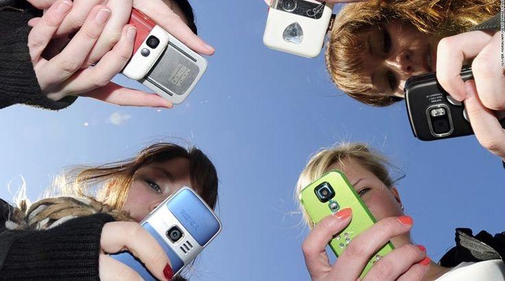 ΗΠΑ: Τα #smartphones και τα #socialmedia  κάνουν τους έφηβους δυστυχισμένους