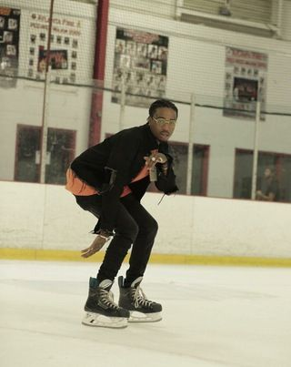 Quavo skating : HipHopImages