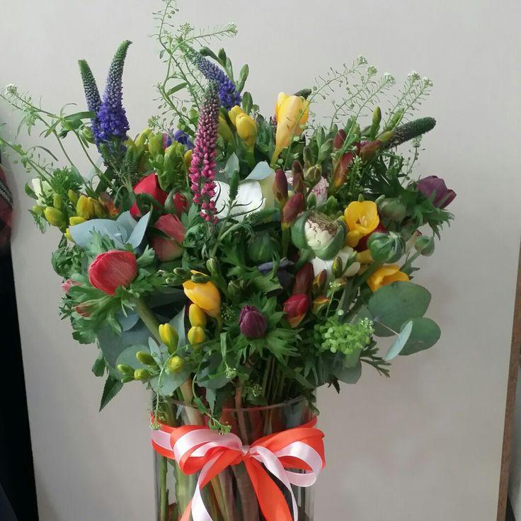 Λουλούδια με αυθημερόν παράδοση σε όλη την Ελλάδα.  #ανθοπωλείο #αποστολη #λουλουδιων #on_line_flowers #send_flowers #anthemion #flowers