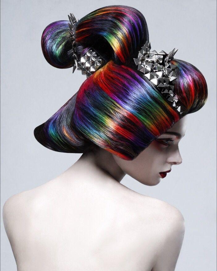 Colour: Makoto Iwaya(TONI&GUY JAPAN) Hair: Ryota Nakagome(TONI&GUY JAPAN) Photo: Yuhei Kaneda Make-up: Takahiro Suzuki