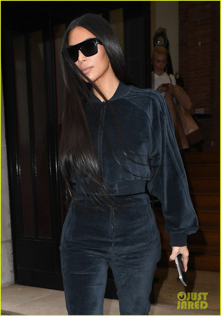 Kim Kardashian Whips Her Long Hair with Naomi Campbell