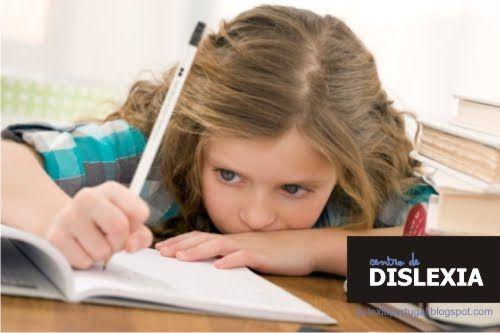 ALFABETIZAÇÃO E DISLEXIA   CAPÍTULO I HISTÓRICO De acordo com o autor SELIKOWITZ (2001, p.6), a dificuldade na leitura foi a primeira forma de dificuldade específica de aprendizagem...