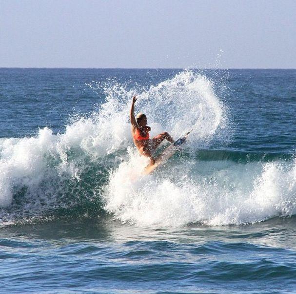 Bethany Hamilton surfing at 5 1/2 months pregnant [Bethany Hamilton / Instagram] (Yahoo! News)