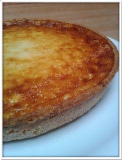 fond de tarte sucrée + compote de rhubarbe + appareil vanillé au fromage blanc