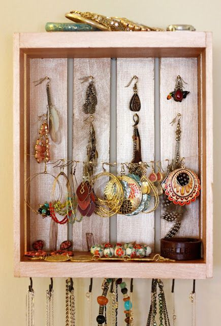 DIY Woodworking Ideas DIY: Jewelry Organizer