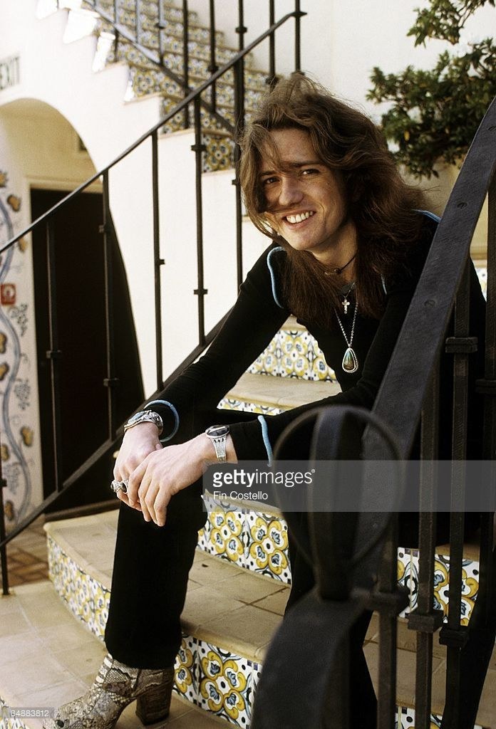 Check out this photo of David Coverdale by Fin Costello from February 28, 1974. It looks like they took it yesterday, the colors are so vivid...those shoes, though...no.