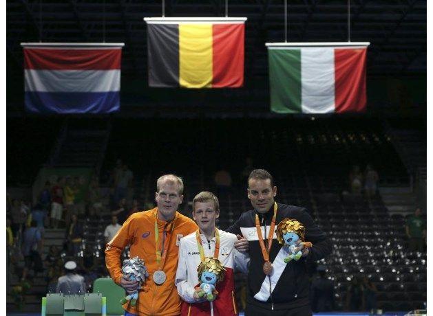Tafeltennisser Laurens Devos heeft zondag de gouden medaille veroverd in de klasse 9 (hemiplegie of hersenverlamming) op de Paralympische Spelen in Rio de Janeiro.