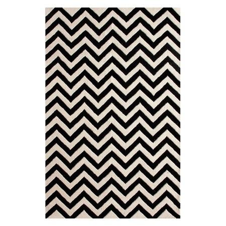 Black & white chevron rug!
