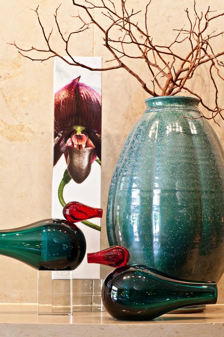 Patina Green Ben Owen III pot, Sierra Diffuser by Dayna Decker, Giorgio Vigna Glass birds