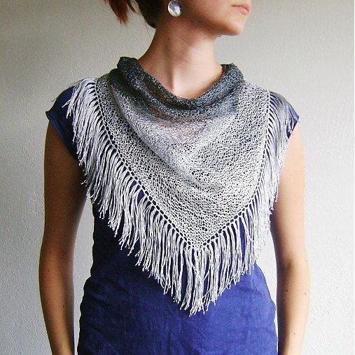 Three Colors Knitted Triangle Scarf / Tassels Grey by RUKAMIshop