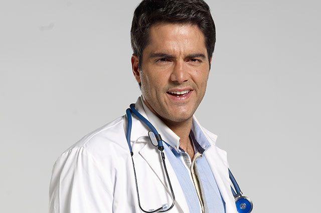 Alejandro Pulido - Interpretado por Ernesto Calzadilla