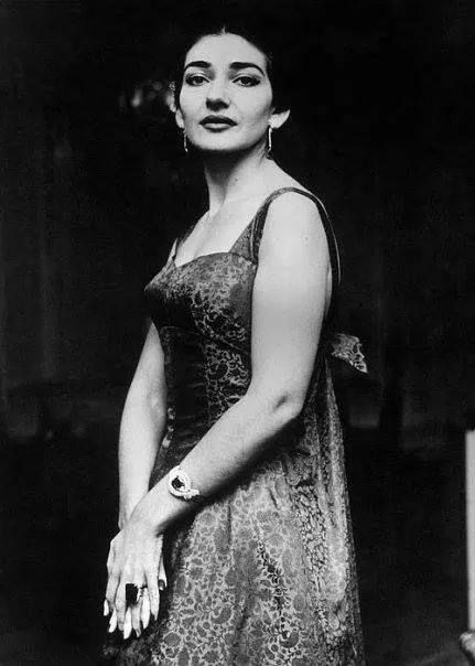 maria callas diva essay What was so great about maria callas  sutherland knocks casta diva out of the park, all the while looking like all she's thinking about is the perfect sounds .