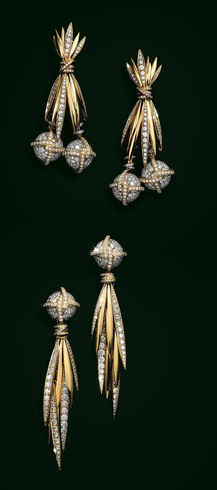 Earrings in platinum and 18k gold with diamonds.