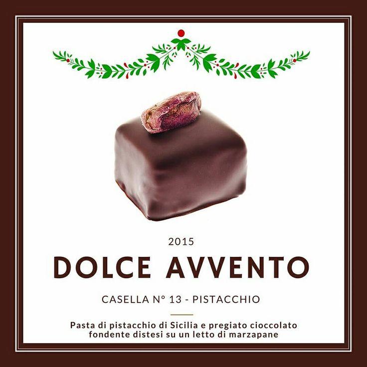 """"""" ...li pistacchi sono umettanti e pettorali, fortificano lo stomaco, eccitano l'appetito, sono aperitivi e molto utili alle persone magre.... Eccitano gli ardori di Venere e accrescono l'umore feminale, perchè eccitano una dolce fermentazione del sangue"""". M. Lemeri  L'eccitante. #Pistacchio #dolceavvento #cioccolatocolle#cioccolato #natale #cioccolatino"""