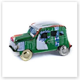 Auto van gerecycled blik www.worldwide-living.nl #recycled #can #africa