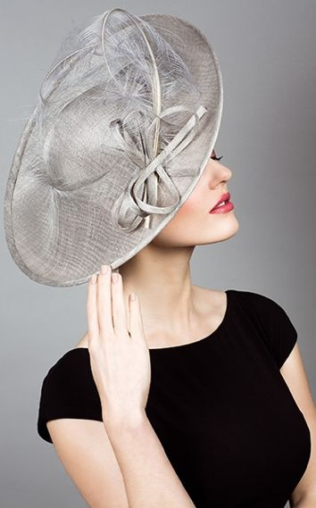 Fine Straw Sidesweep Hat With Sweeping Ostrich