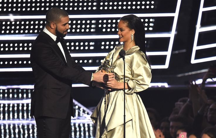 That Mysterious Drake & Rihanna Website Is Fake, So Fans Can Stop Waiting…