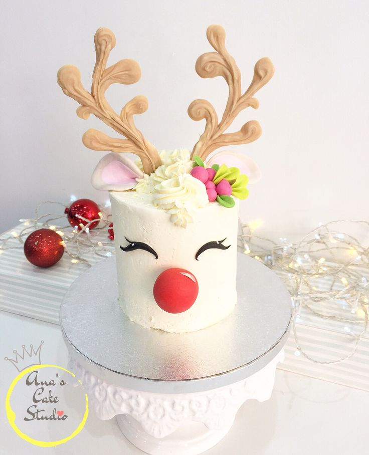 Reindeer cake Christmas cake