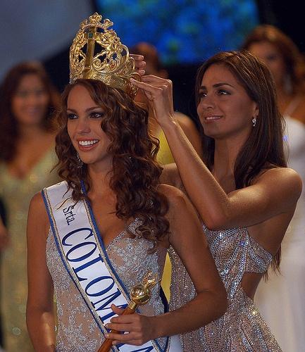 Reinado Belleza Cartagena,El Concurso Nacional de Belleza de Colombia es un importante certamen que ha sido celebrado en la ciudad de Cartagena de Indias desde 1934; la ganadora recibe el título de Señorita Colombia y es la representante de Colombia en Miss Universo, la Virreina Nacional, recibe el título de Señorita Colombia Internacional y representa al país en Miss International (fuente wikipedia)
