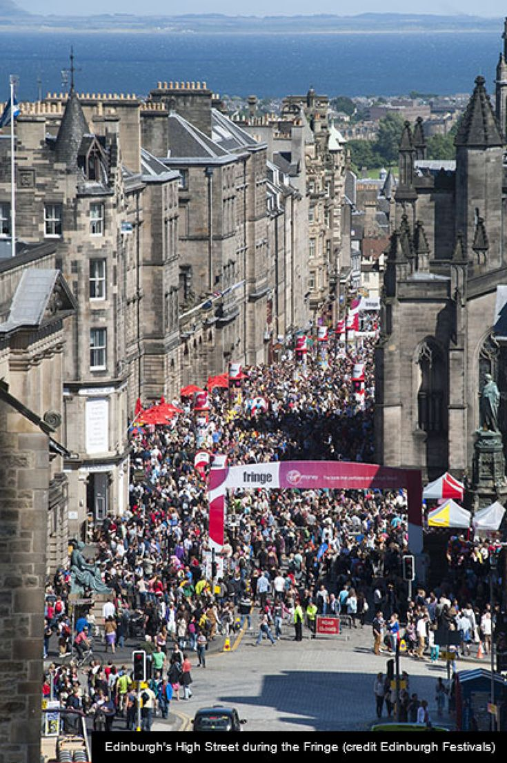 The high Street in Edinburgh during The Fringe Festival - Edinburgh Festival City