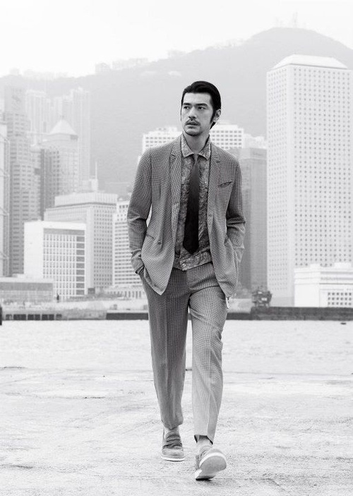 Takeshi Kaneshiro walking on water. LIKE YOU DO.