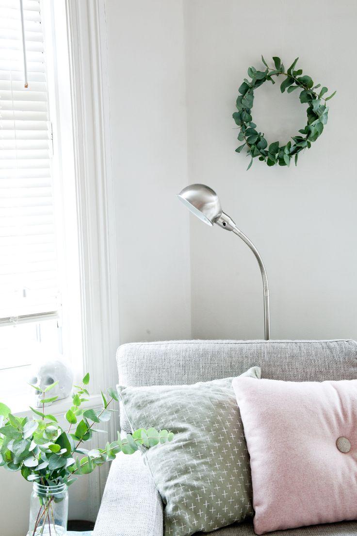 #livingroom #diy #wreath #hay #pink #green #interior - KREATIV-I-TET