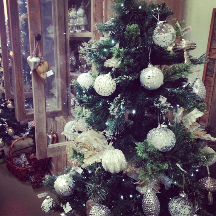 #theminerscouch #christmas #trees #festive #lighting #decorations #glitter #fun #shopping #moonta