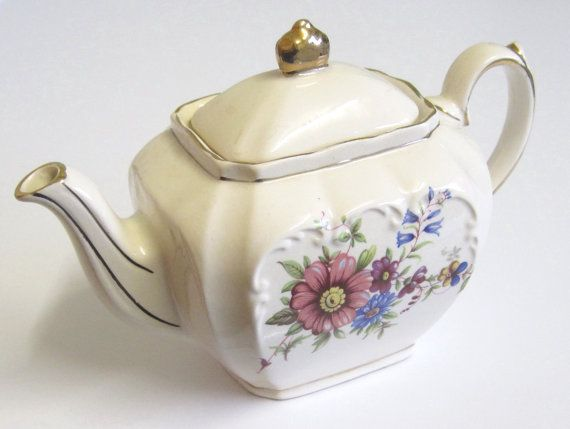 Vintage Sadler One Cup Rectangular Teapot by TheWhistlingMan