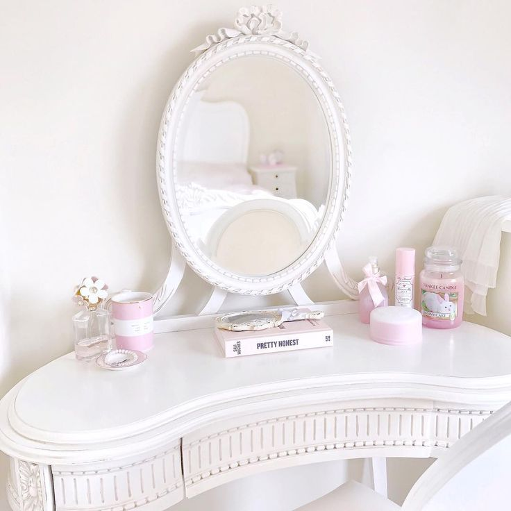 This dressing table is 100% the most perfect piece of furniture I've ever owned