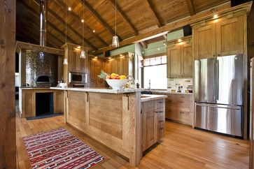 Stunning kitchen!! Complete with a wood-fired pizza oven!