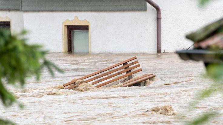 Katastrophenalarm in Niederbayern: Heftiger Regen führt zu schweren Überschwemmungen