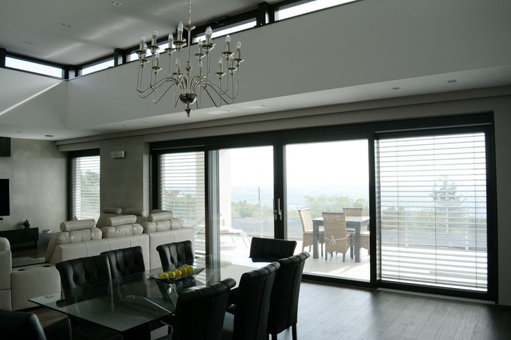 Black and white creates harmony with the matching windows!