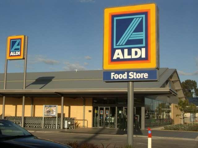 Η ALDI αποσύρει όλα τα αυγά, πληθαίνουν οι φόβοι για μόλυνση: Η εκπτωτική αλυσίδα σούπερ μάρκετ Aldi αποσύρει προληπτικά όλα τα αυγά από τα…