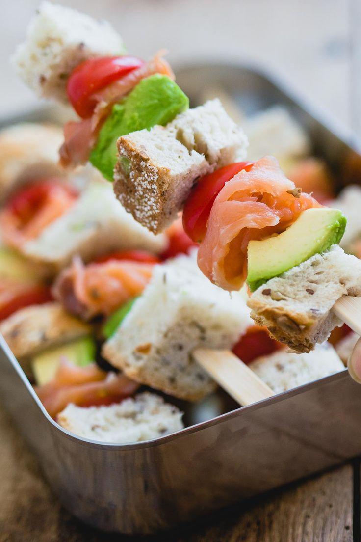 Presentatie is alles in je lunchbox, met deze sandwich sticks zit dat wel goed! Maak je favoriete sandwich nu in stick vorm, dat is makkelijk mee te nemen en ziet er leuk uit.