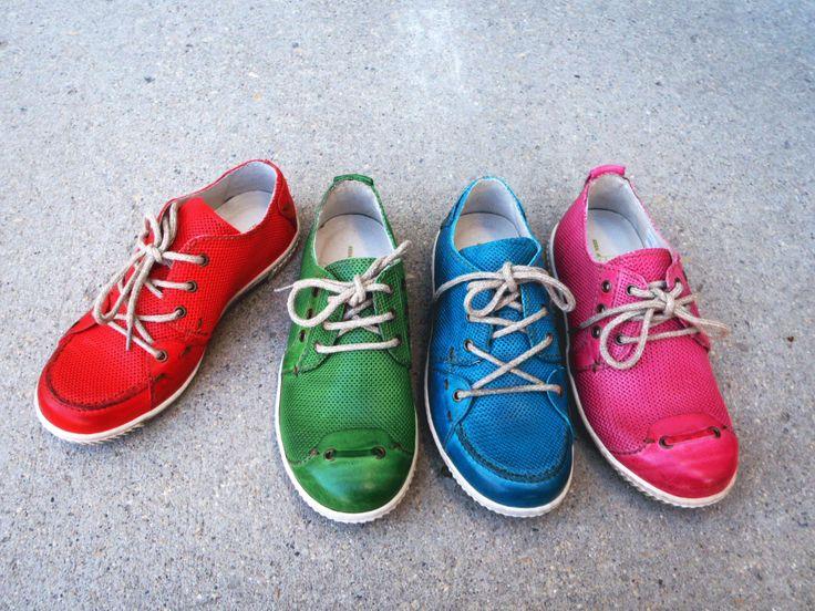 Rovers 46005 & Rovers Men 46003   http://www.traxxfootwear.ca/product/search/&sv=eyJhcSI6IiIsIm1vZGUiOiIiLCJiZWdpbiI6IiIsIm5oaXQiOiIxMiIsIm9yZGVyX2J5IjoiIiwiZGlyIjoiYXNjIiwiY2F0IjoiIiwicHJvbW8iOiIiLCJibmFtZSI6IiIsInEiOiJyb3ZlcnMifQ==
