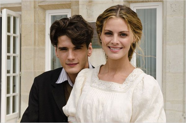 Grand hôtel (2011) : photo Yon González and Amaia Salamanca. Gorgeous people